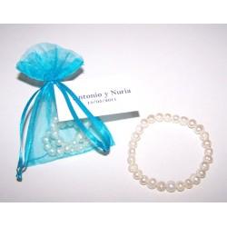 Pulsera perlas blancas en bolsa organdí
