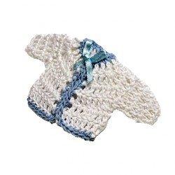 Broche chaqueta bebé en ganchillo blanca y azul