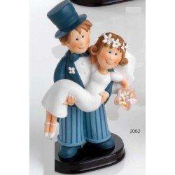 Figura tarta boda novia en brazos