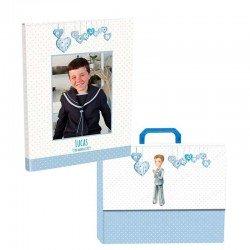 Libro de firmas Comunión personalizado con maletín, niño rezando