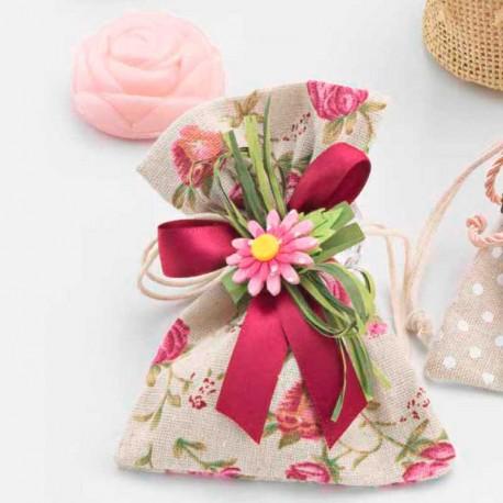 Bolsa estampada con un jabón aromático, con forma de rosa
