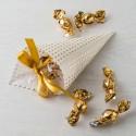 Cono topos dorados con croki-choc y tarjeta