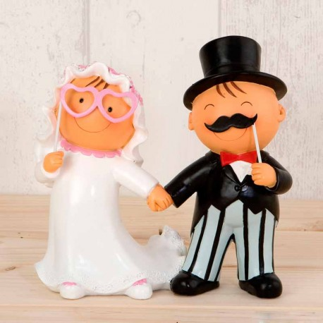 Figura para tarta de boda, con Pit y Pita novios en un divertido photocall