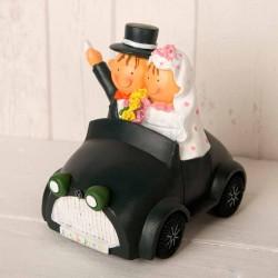 Figura tarta hucha Pit y Pita novios en coche