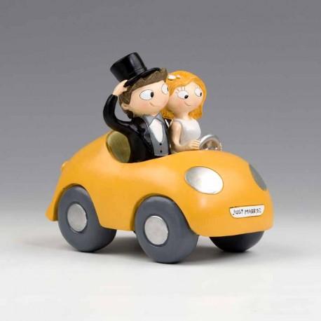 Figura para tarta de boda, novios en coche