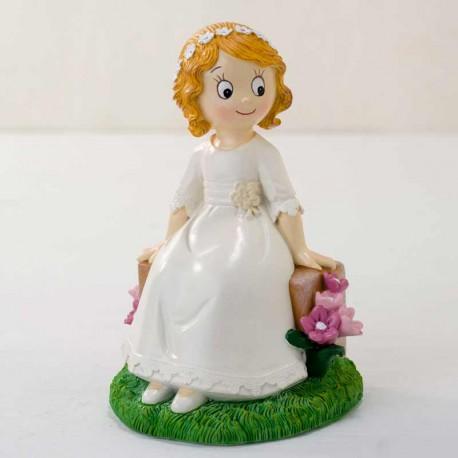 Figura para pastel de Comunión, niña sentada en banco