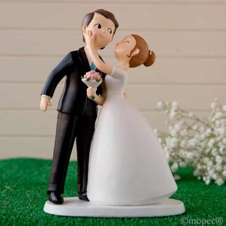 Novios besandose, figura para pastel de boda
