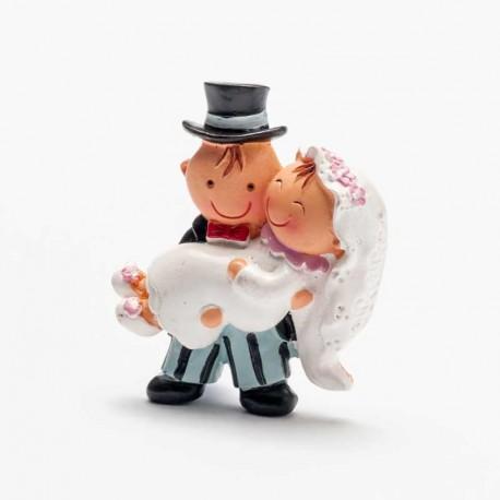 Novia en brazos, iman para detalles de boda