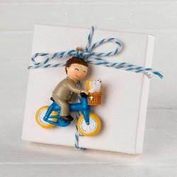 Imán niño Comunión en bici en caja con peladillas