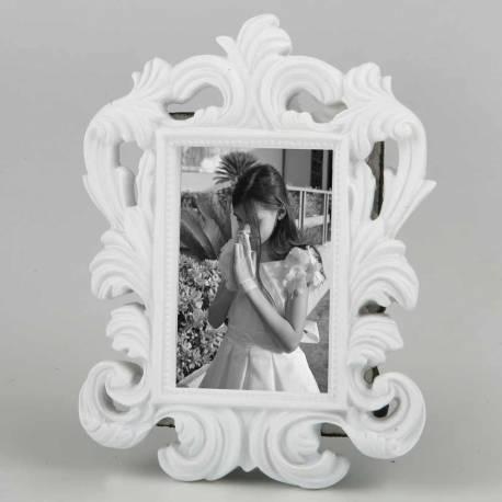 Marco de fotos de estilo barroco y color blanco