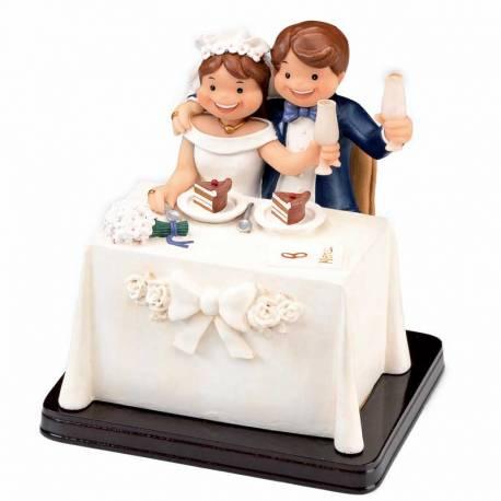 Figura para tarta de boda original, novios en el banquete