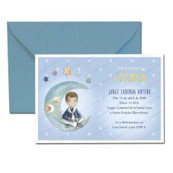 Invitación Primera Comunión, niño sentado en la luna. Pack 20 invitaciones + 20 sobres