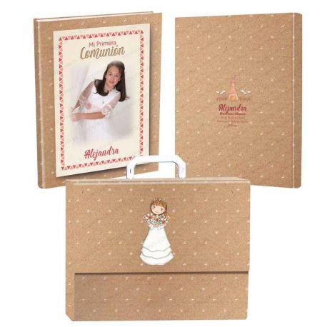 Libro de firmas para Comunión personalizado en la portada y contraportada, con maletín. Niña
