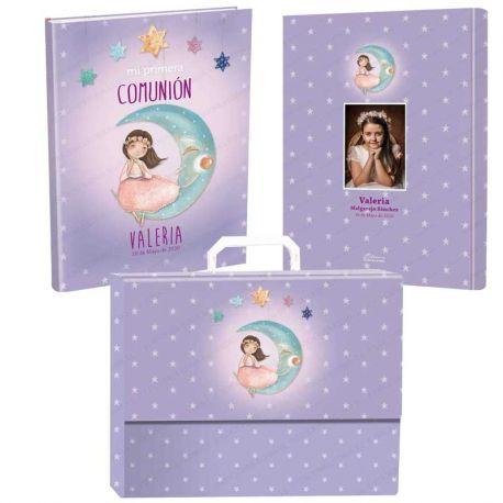 Libro de firmas Comunión personalizado con maletín, niña sentada en la luna