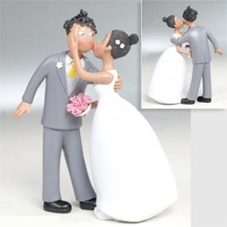 Novia besando al novio, figura para la tarta de boda