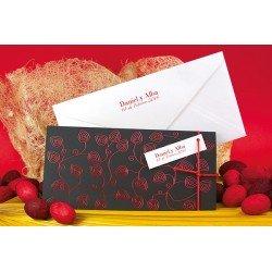 Invitación boda negra con dibujos metalizados en rojo