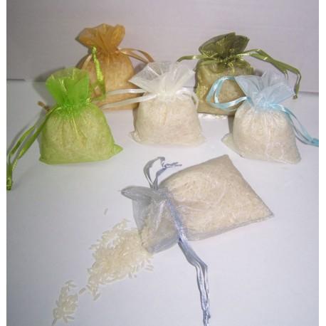 Bolsita de organza rellena de arroz. Detalles de boda