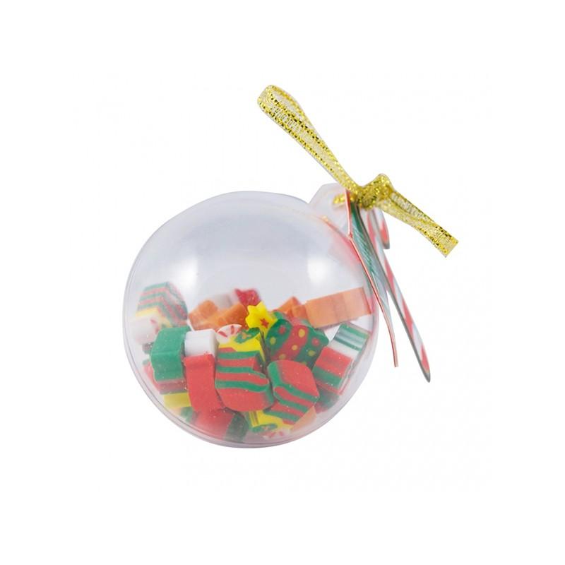 Regalos infantiles: colgante bola de plástico con 20 gomas navideñas.