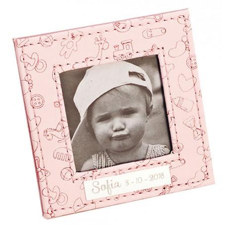 Marco de fotos piel en rosa decorado con motivos infantiles