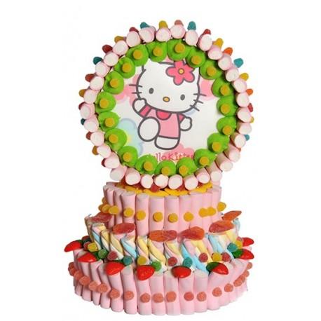 Tarta de nubes con tres piso y oblea de Hello Kitty