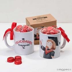 Taza cerámica graduación chica con bombones en caja regalo