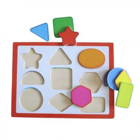 Puzzle de madera con piezas geométricas multicolores