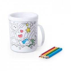 Taza de plástico para colorear con 4 lápices