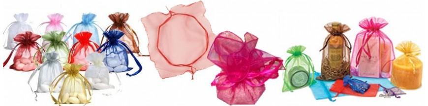 Complementos para boda: Bolsas de organza Bolsas y saquitos para la presentación de los regalos para tus invitados. Consigue una presentación económica y elegante. Disponibles en diferentes colores y tamaños.