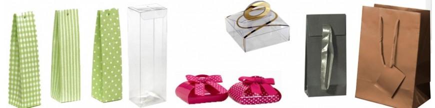 Cajas para la presentación de regalos En esta categoría podrás ver cajas para todos los detalles. Acetato, cartulina, para pashminas, madera... Una amplia selección de cajas de diferentes materiales para presentar los regalos y detalles de tus...