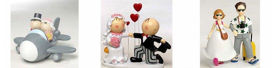 Figuras de tarta para boda Las figuras de tarta se han convertido en algo casi indispensable en casi todas la celebraciones, en el caso de las bodas aun más, ya que cada vez es más común obsequiar a los amigos o familiares que próximamente celebraran...