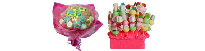 Originales dulces: ramos de chuches, bouquet con golosinas, brochetas... ¿Y por qué no unas chuches...? Cada vez con más asiduidad se presentan en las bodas estas sabrosas y dulces golosinas. Puedes sorprender a tus invitados más pequeños, e...